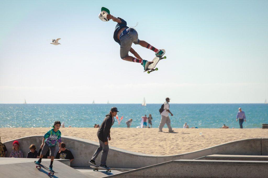 trik bermain skateboard