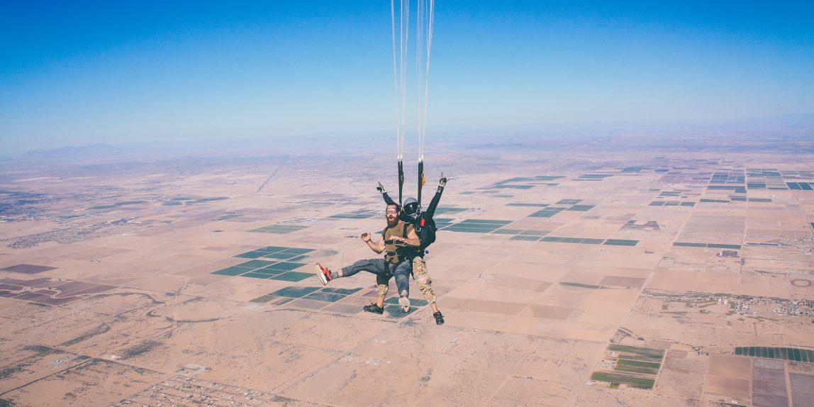 skydiving dari pesawat